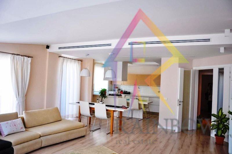 Super apartament per shitje, prane Kopeshtit Botanik