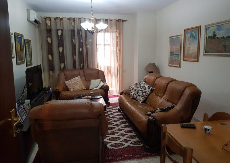 Apartament per shitje prane shkolles Vasil Shanto